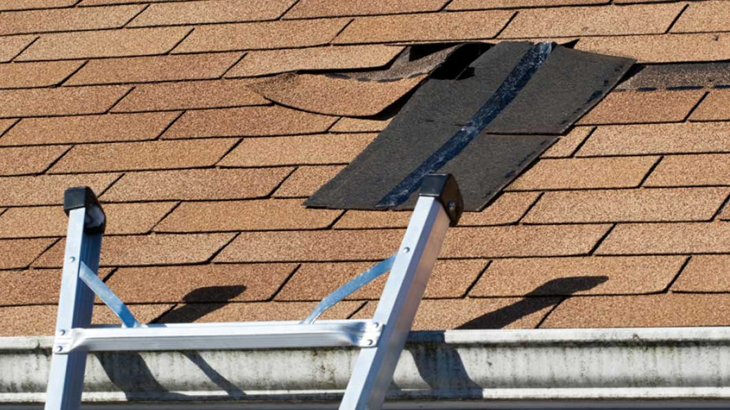 Get prompt roof repair services